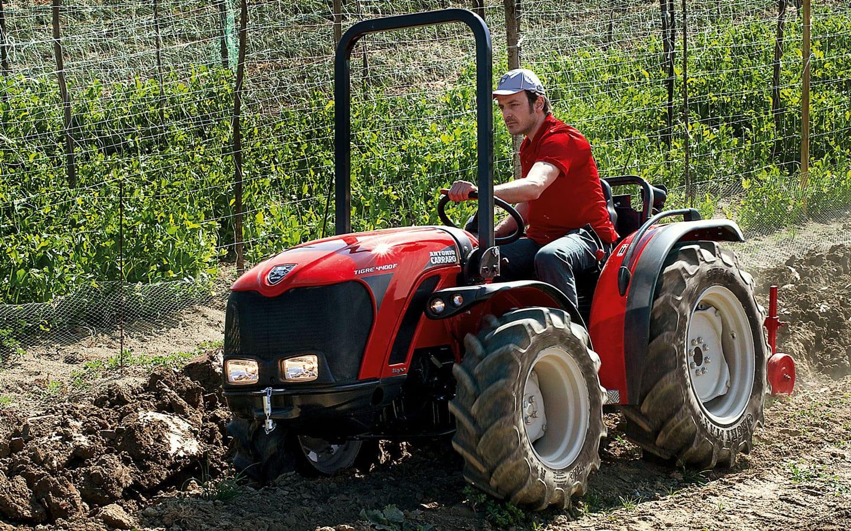 Carraro Tigre 4400F – Radlenker mit verschieden großen Rädern